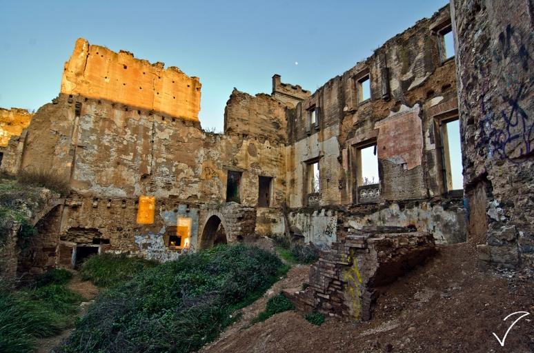 """TORRE SALVANA. Mas conocido como. """"El castillo del infierno"""" Dsc_5959"""